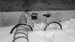 Vélo prit dans la neige
